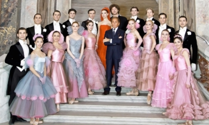 Although Mr. Valentino retired from his maison in 2008, he has designed a frock or two since then.