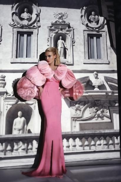 Haute Couture Fall/ Winter 2007/08. Photo by Andrea Klarin
