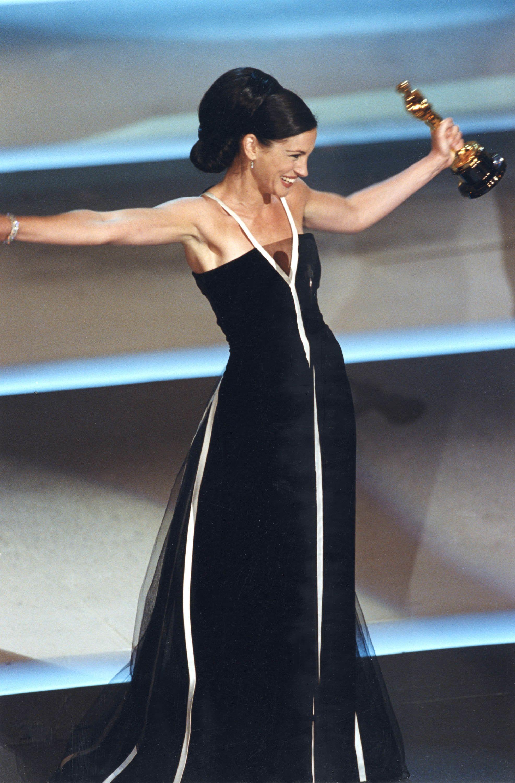 Julia Roberts wears Haute Couture FW 1992